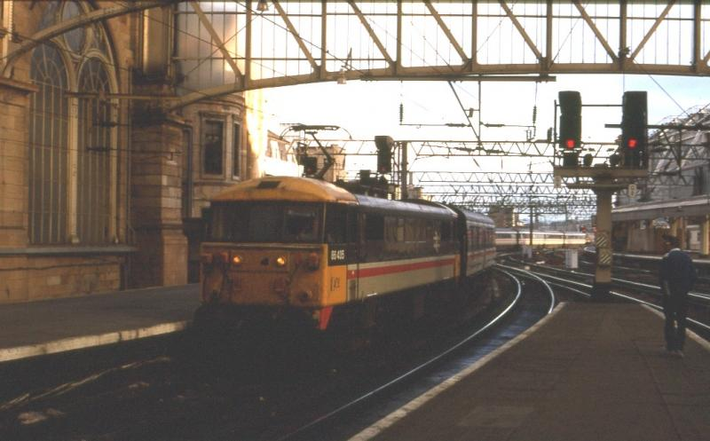 Photo of 86435 at Glasgow Central