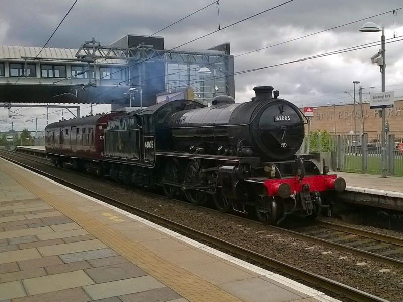 Photo of 62005 + 80220 - 5Z62 04 May