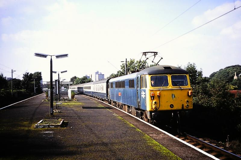 Photo of Class 87 at Langside