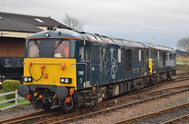 Photo of 73966+73967 at Bo'ness