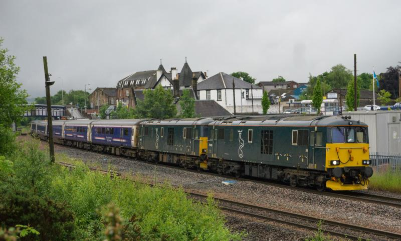 Photo of 73968 & 967 pass Larbert with 1S25 for Inverness. 15.6.16