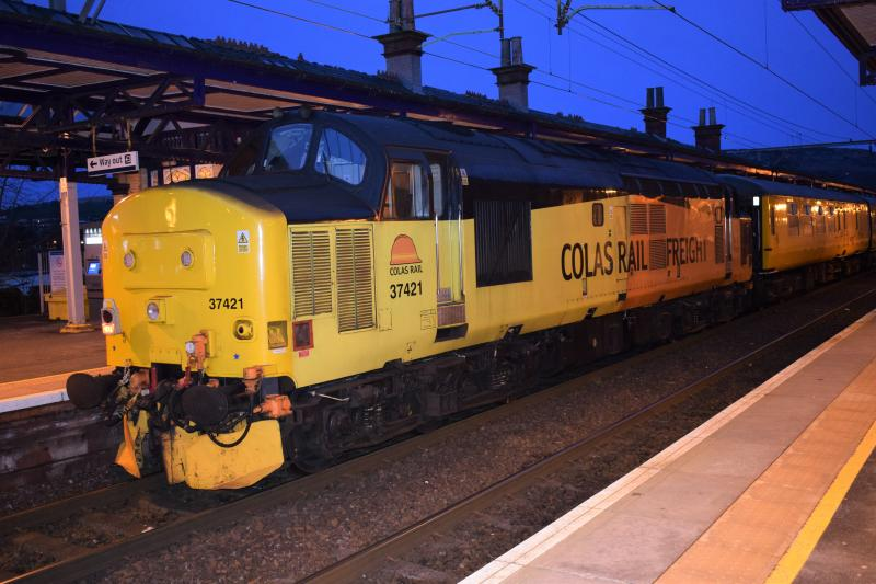scot-rail co uk » Photo » Colas Class 37 37421 Dumbarton Central