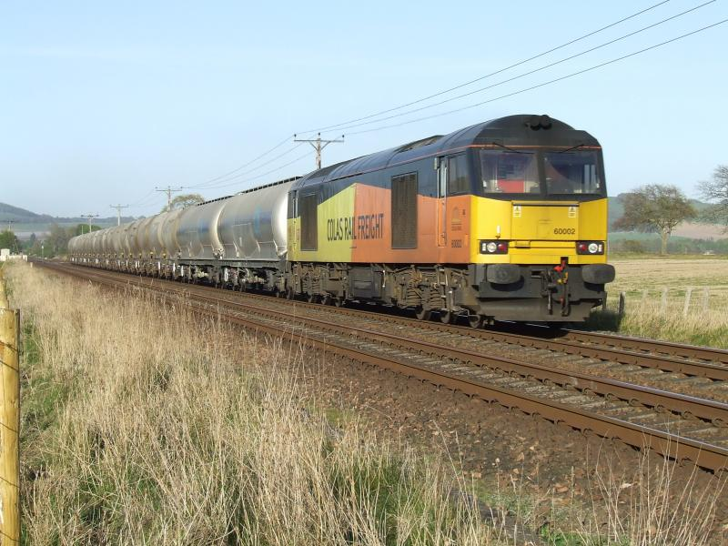 Photo of 60002 passes Bow of Fife LC 08 May 2017