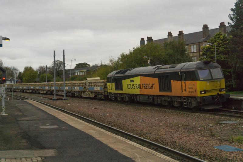 Photo of 60076 passes Larbert with 6K52 for Carlisle. 3.11.17