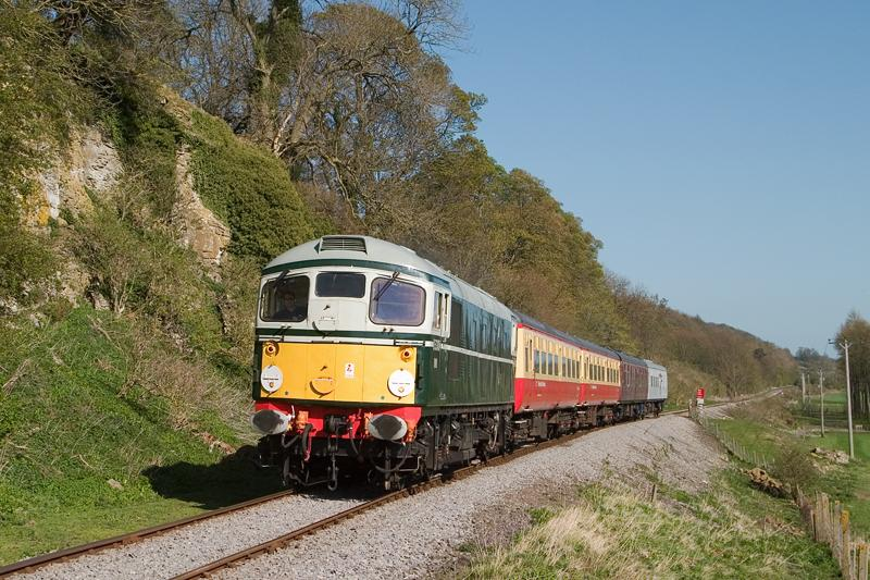 Photo of D5310 near Wensley