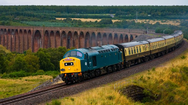 Photo of 40145 crosses Culloden Viaduct